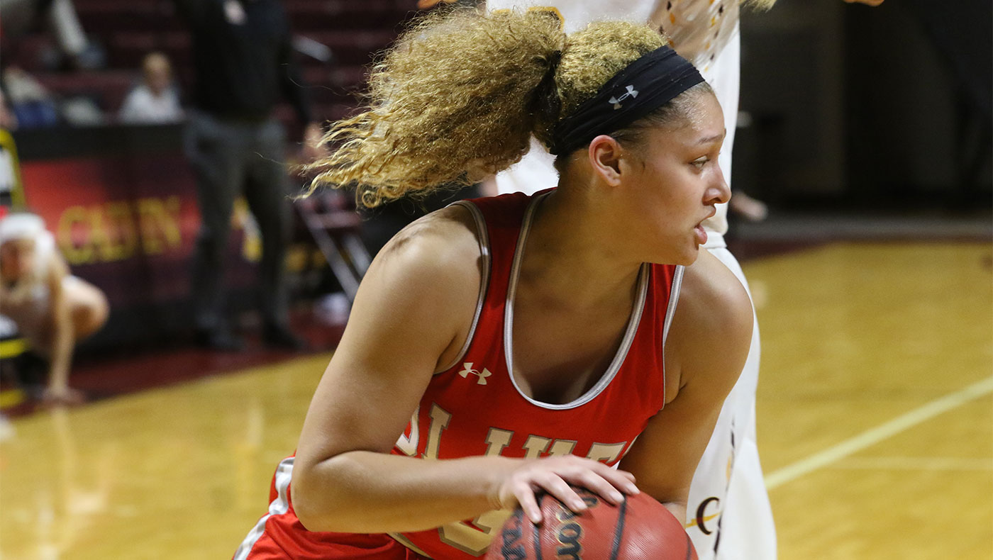 Career-high 19 points for Clark and Dame help women's basketball team beat Calumet, 72-64