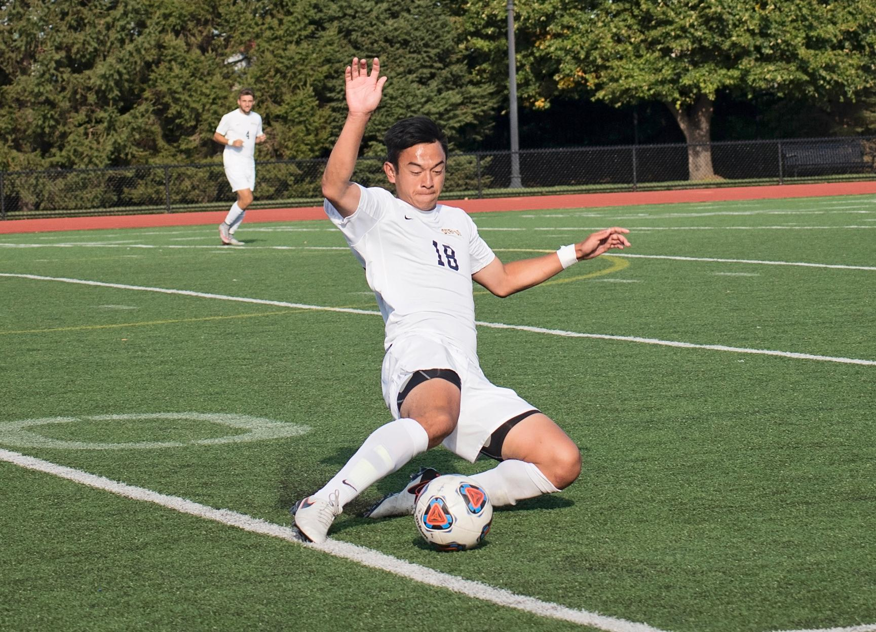 Men's Soccer's Busy Week Kicks off at Springfield Tonight