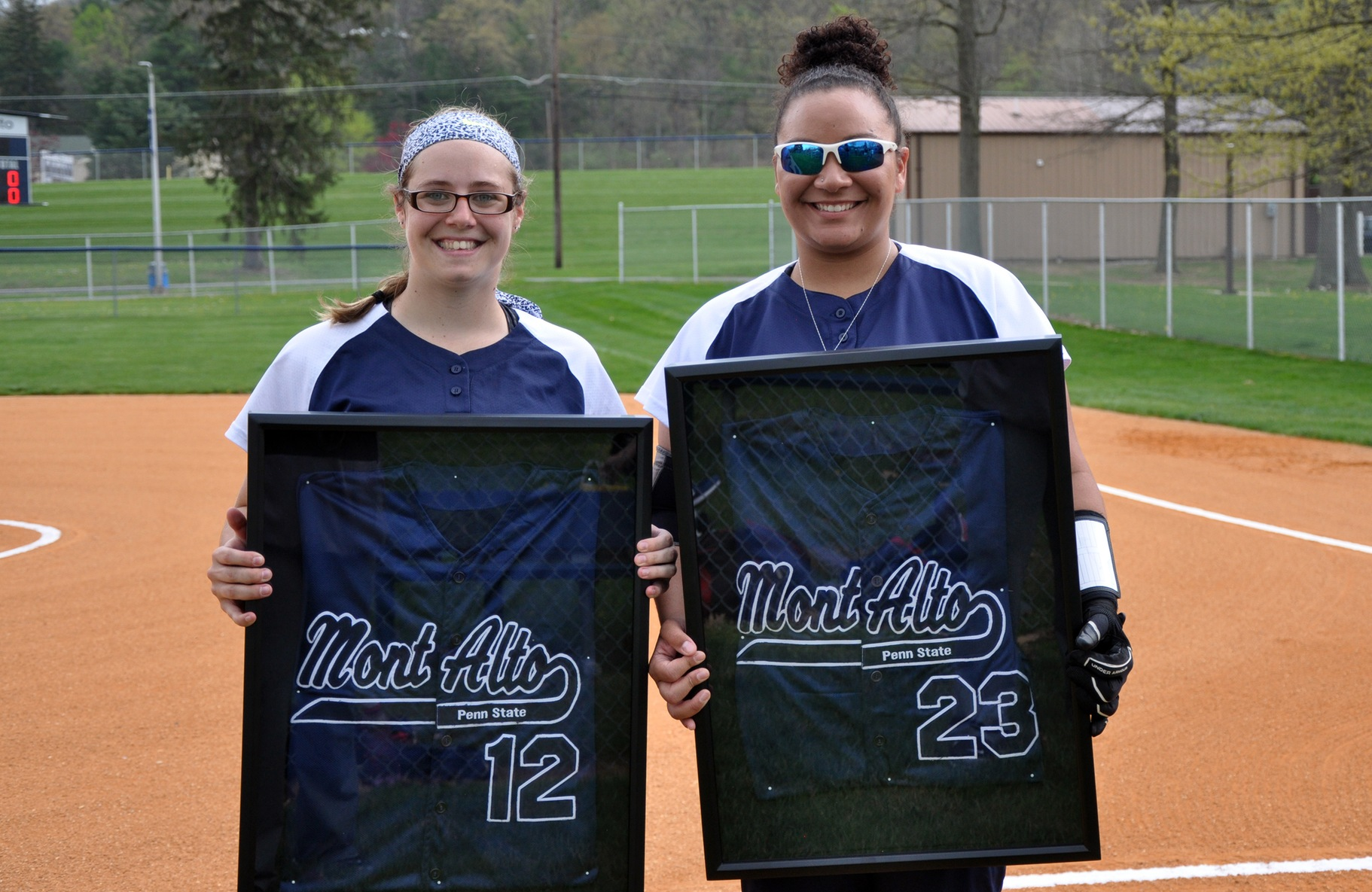 Softball Celebrates Senior Day with a Pair of Victories over Christendom