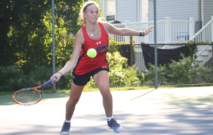 Women's Tennis Edges St. John Fisher, 5-4