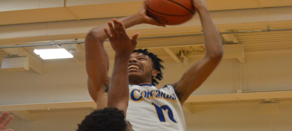 White Jr. Sets Men's Basketball Single-Game Record In 95-89 Victory Over Wilmington