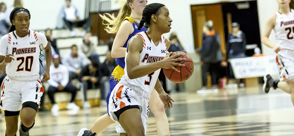 Newberry pulls away late to drop Pioneers, 68-52