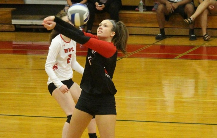 Women's Volleyball Narrowly Falls in Five Sets at Gordon