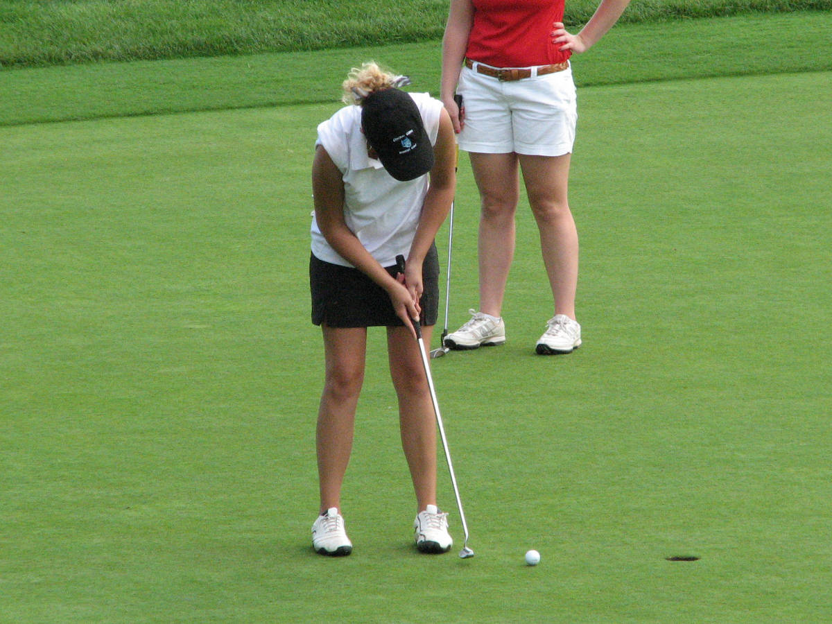 Weather Suspends Women's Golf First Round Play