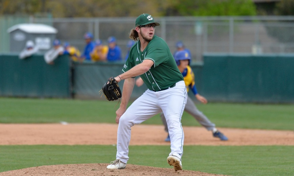 BASEBALL FALLS IN EXTRAS, 5-2, DESPITE GUTSY OUTINGS FROM ROBERTS AND DALTON