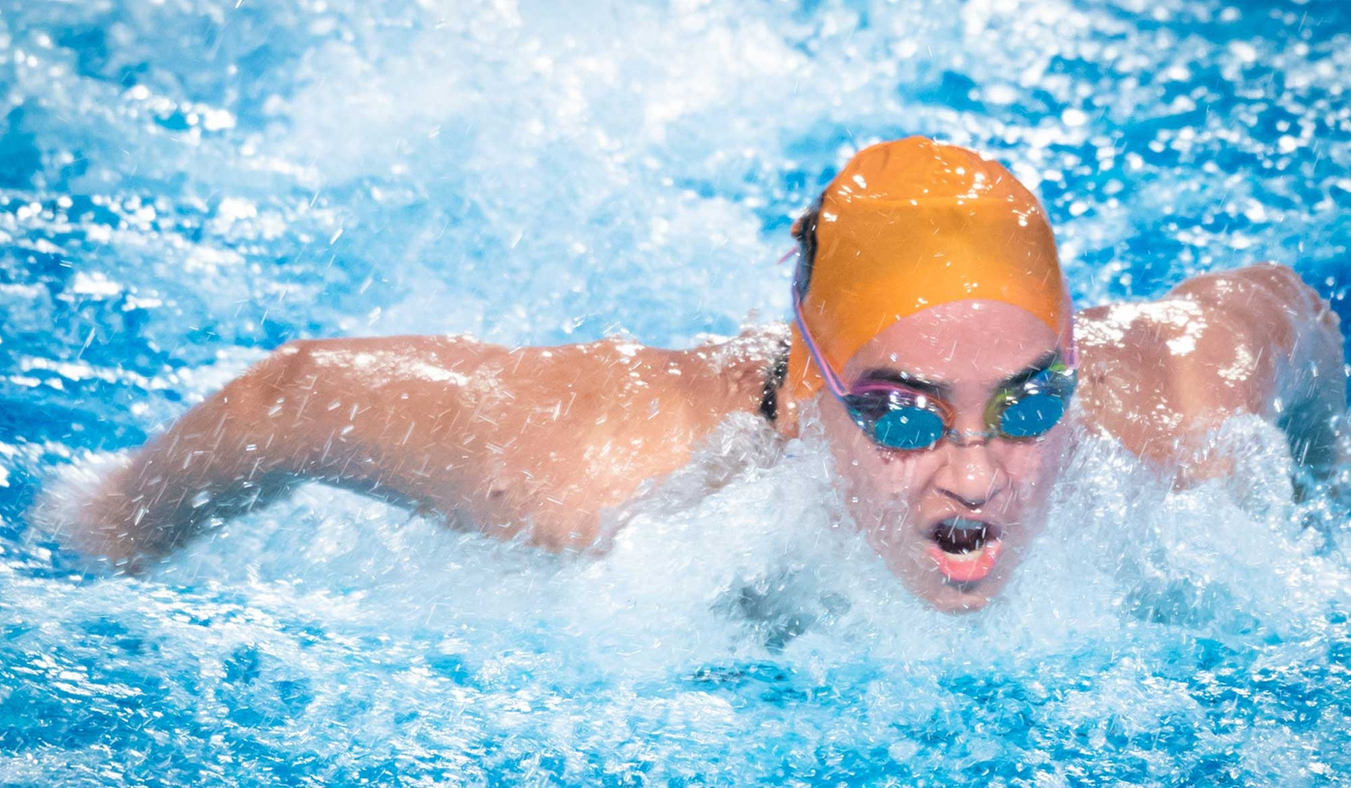 Oxy Men's and Women's Swim Beats Whittier