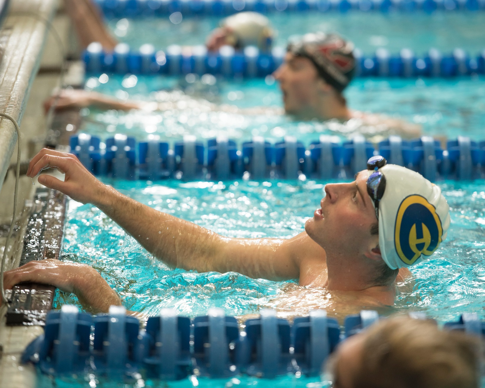 Swim and Dive competes at St. Thomas Invite