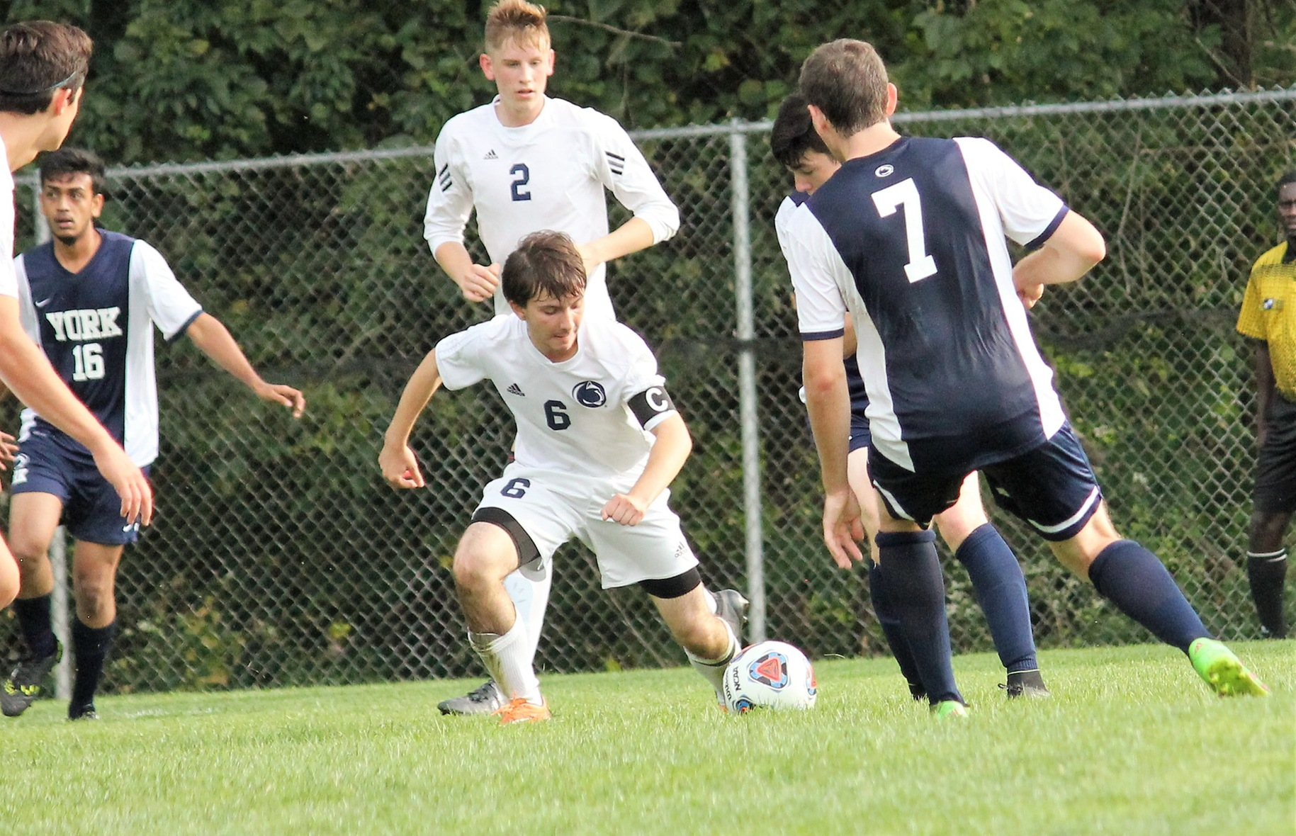 Men's Soccer Defeats Penn State Schuylkill on Senior Day