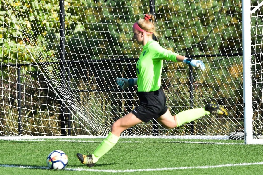 Olivia Reckley records her 13th career shutout in a 1-0 victory over Endicott. (Julia Monaco)
