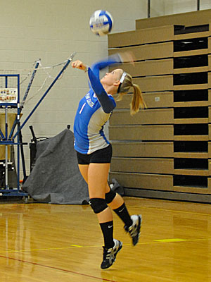 Wildcats Sweep in Conference Quad Match