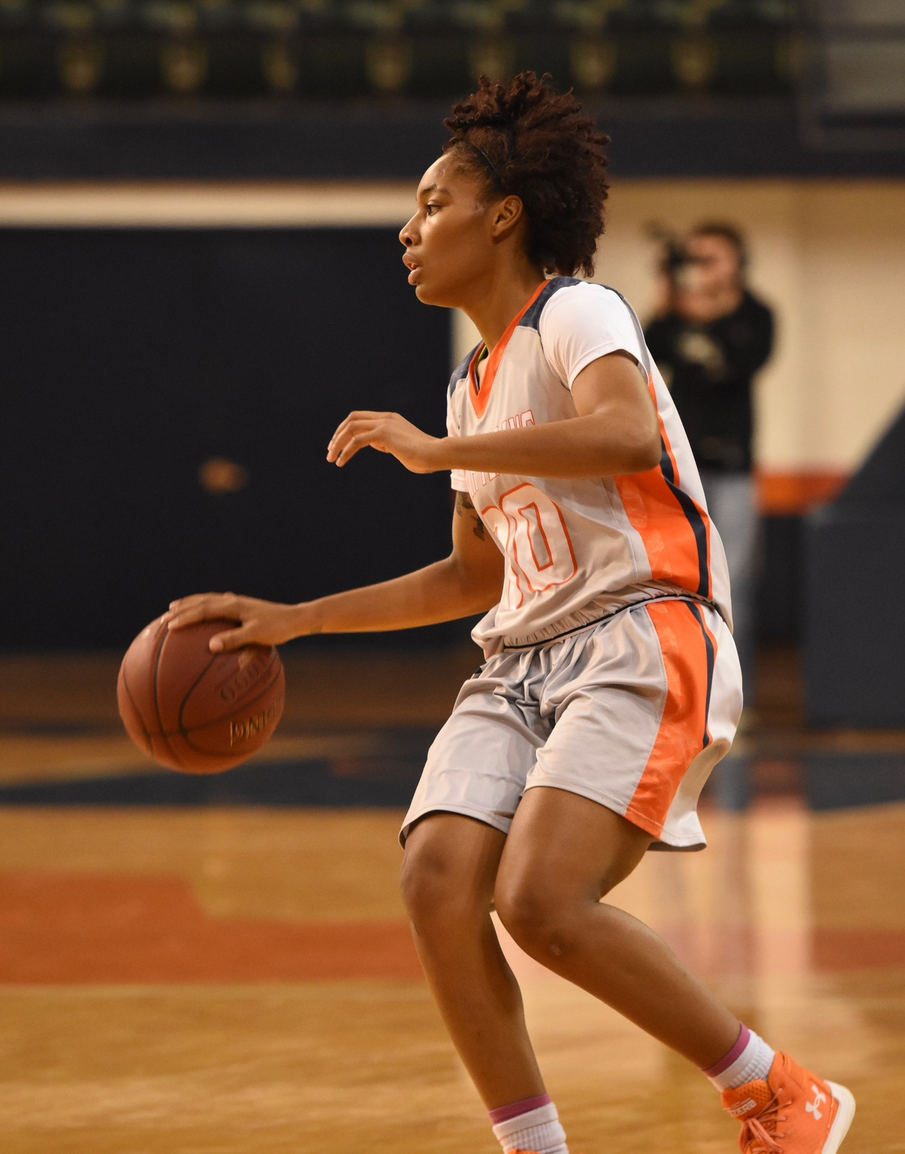 Johnson nets 21 as Lady Texans Pummel Midland 58-44 Thursday
