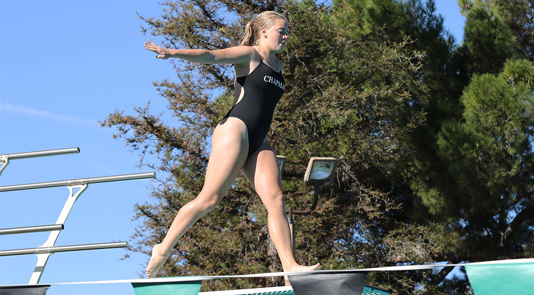 Kellyn Toole approaches a dive.