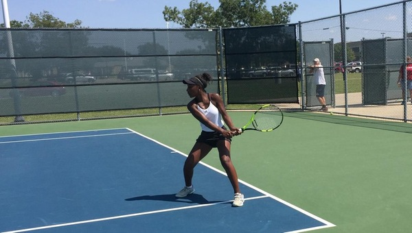 #15 Women's Tennis Opens 17-18 With 8-1 Win Over TAMU-T