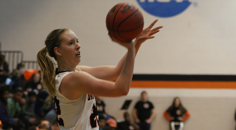 Women's basketball assaults scoring records with 112-52 win