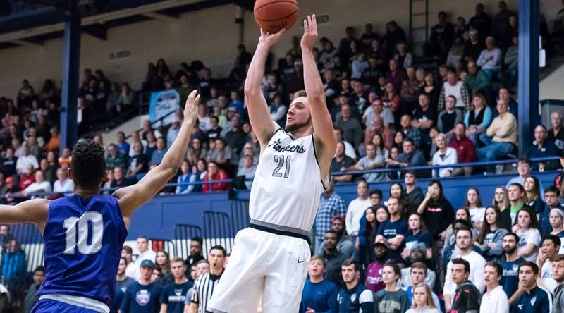 Kyle Dixon and Marietta won a thriller over St. Thomas at the Great Lakes Invitational. Photo by Nate Knobel, Marietta athletics
