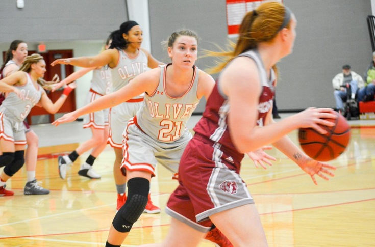 Women's basketball team tripped up by Aquinas, 71-50