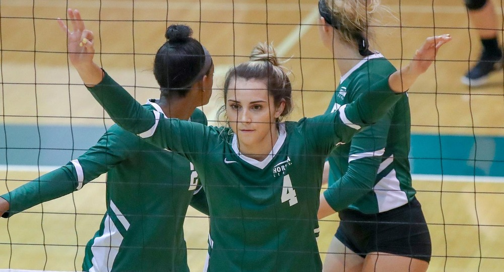 Volleyball Extends Winstreak With 3-1 Victory At Milwaukee