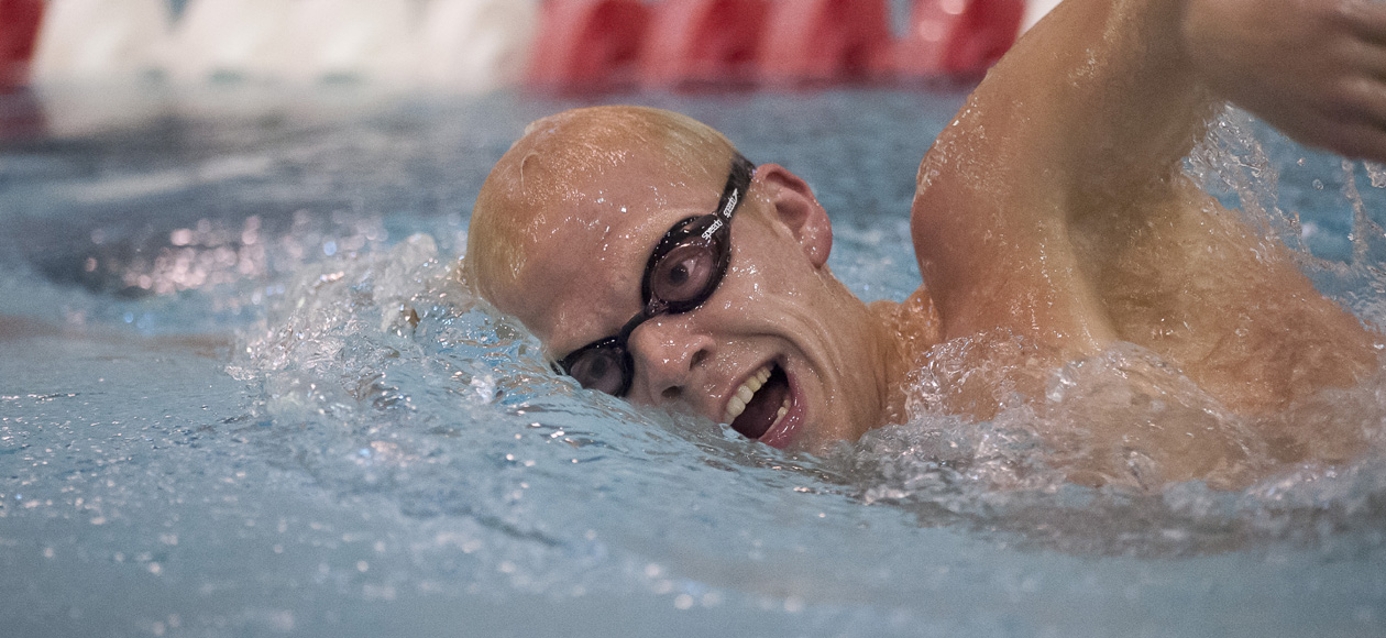 Holy Cross Outlasts Men's Swimming and Diving, 171-127