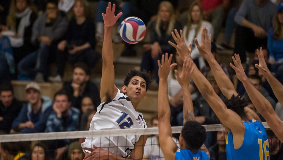 Corey Chavers notched his 10th straight match with double-digit kills while leading No. 6 UCSB past UC San Diego for its 10th straight win on Friday night. (Photo by Tony Mastres)