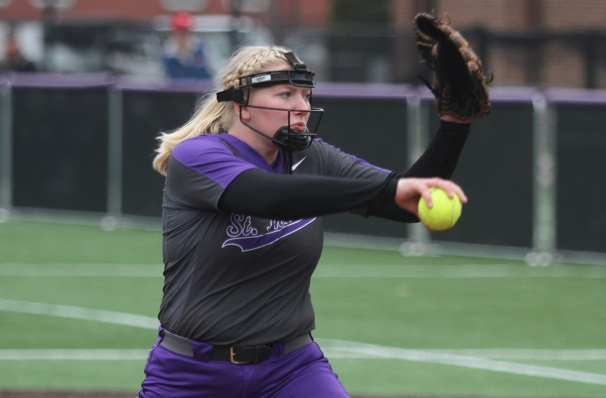 Softball stays hot, sweeps to 24th win of season
