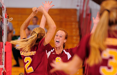 SU volleyball opens with two wins at Battlefield Classic