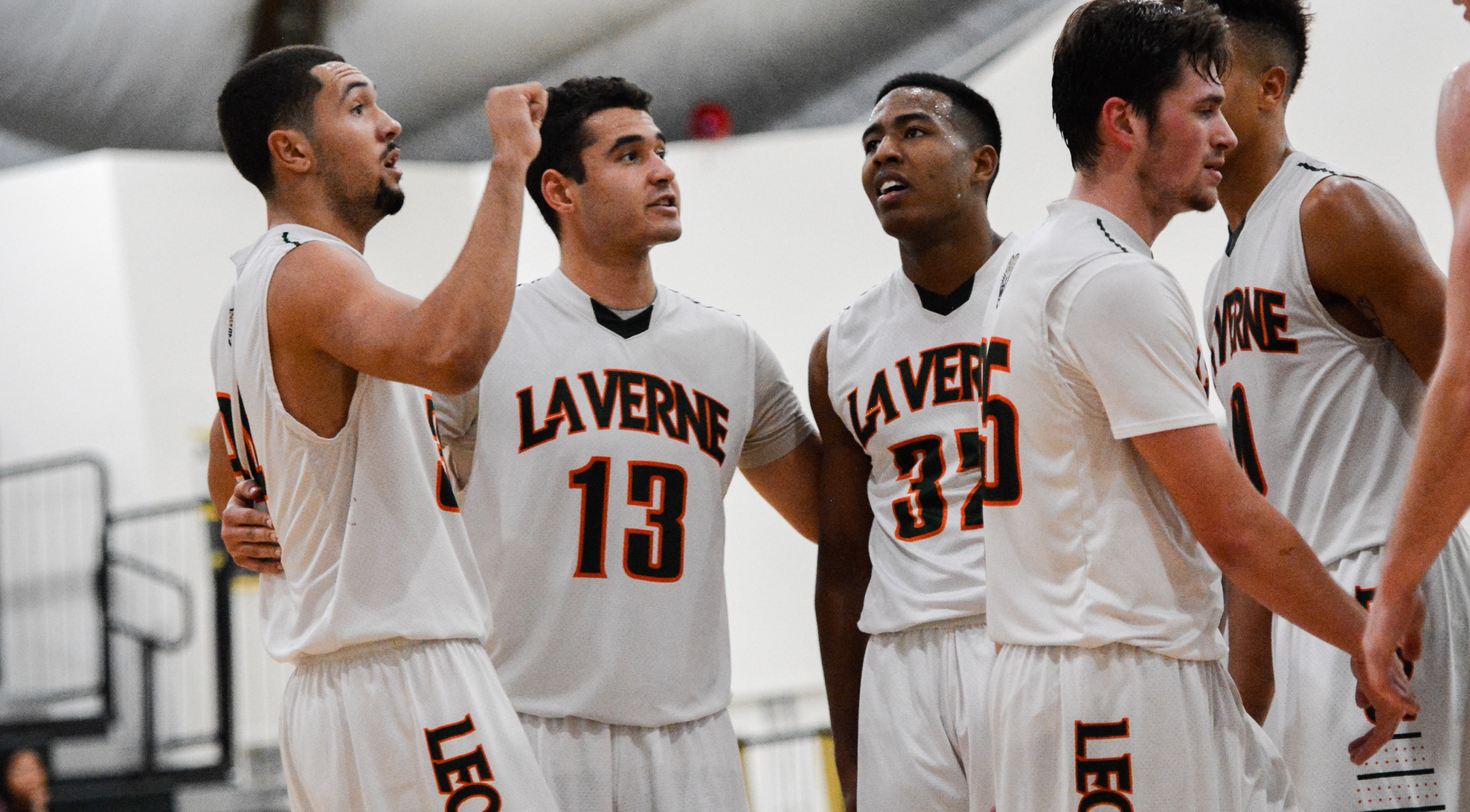 Stokes, Arnold carry La Verne past Willamette 88-87