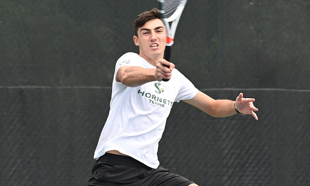 MEN'S TENNIS DOWNS SAINT MARY'S, 6-1