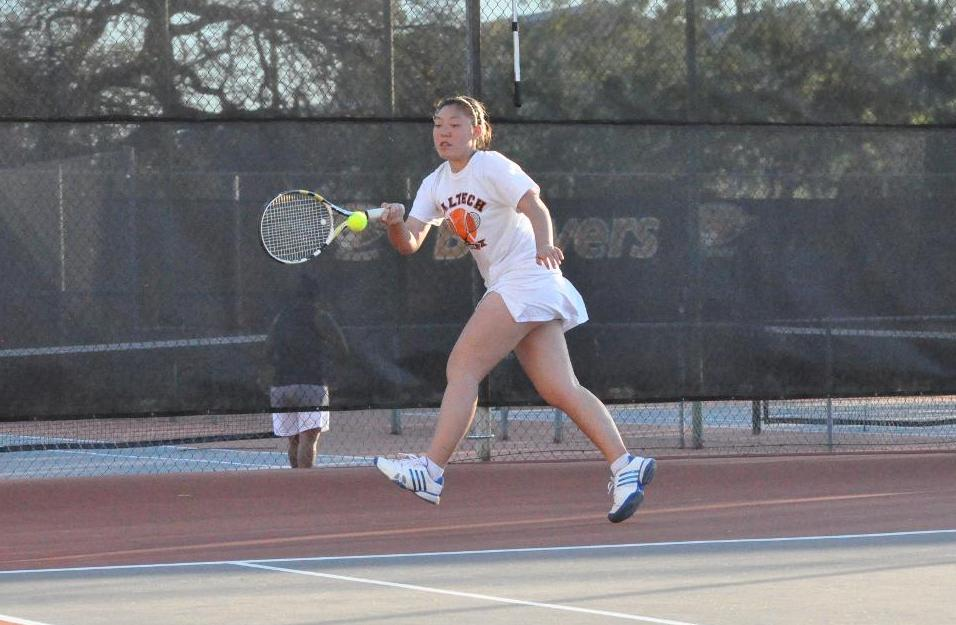 Yao Wins Twice as Women's Tennis Caps Season vs. Oxy