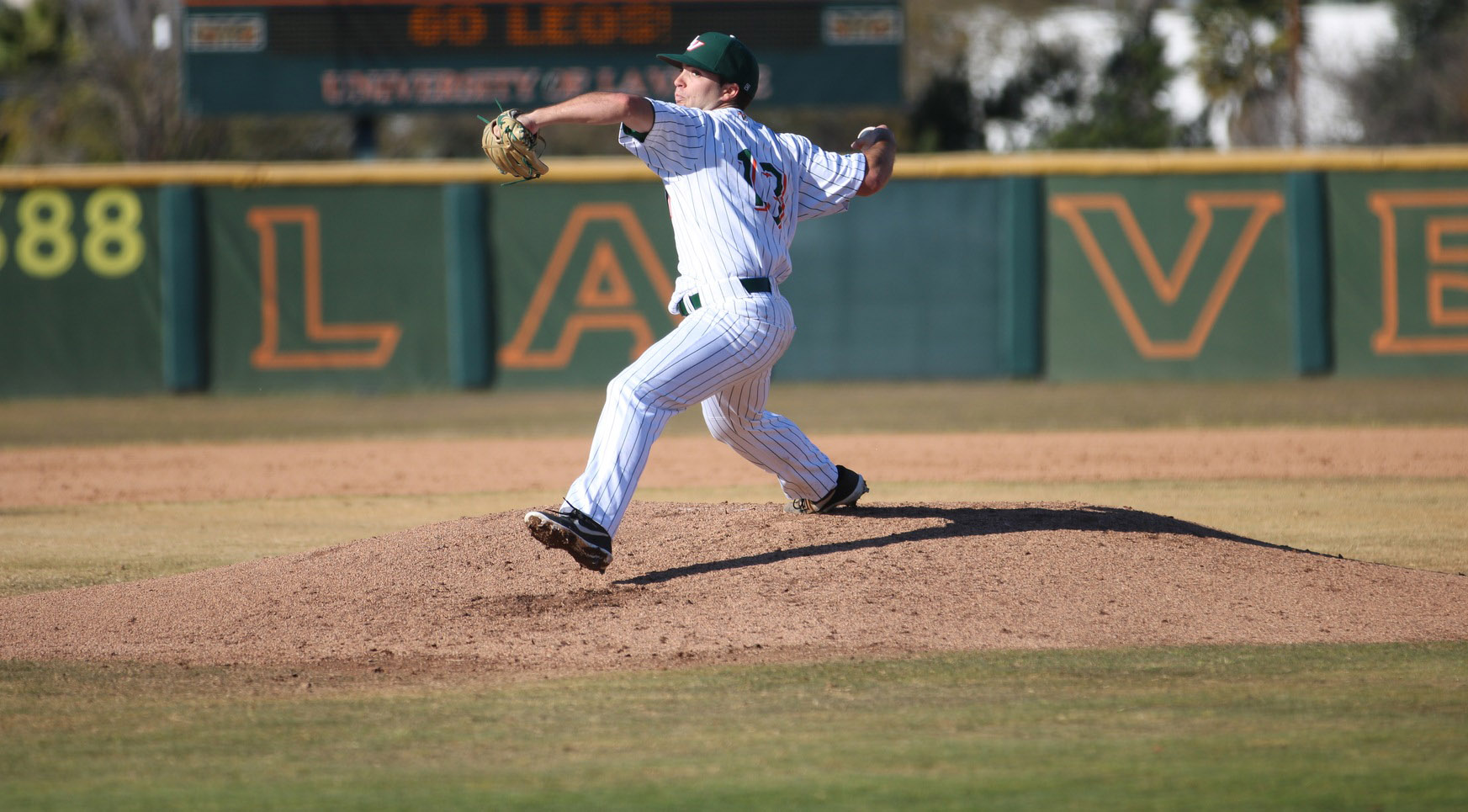 Baseball routs Caltech at home