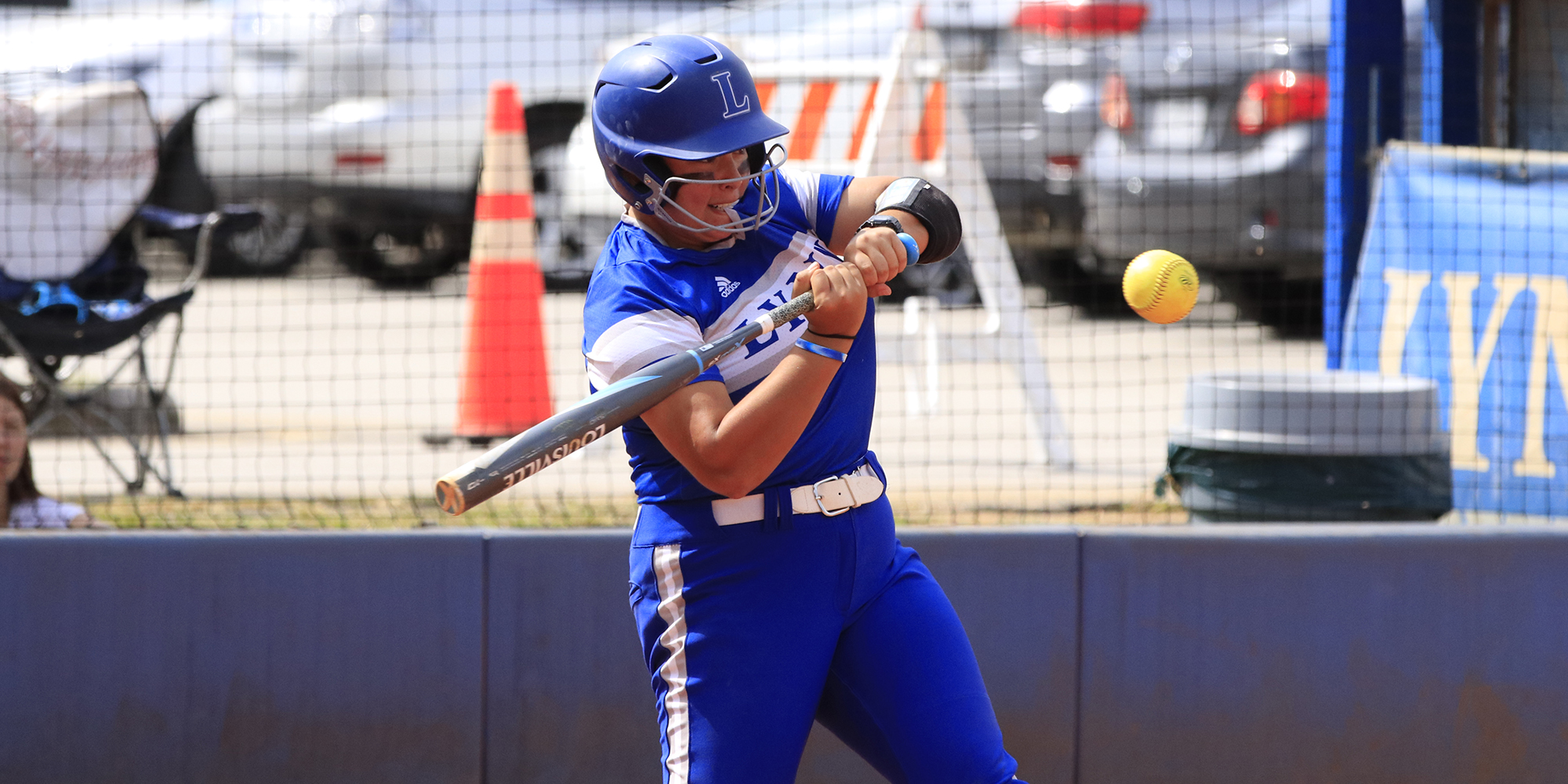 Softball Drops Final Weekday Doubleheader of the Season