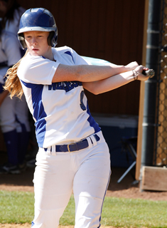 Blue Softball Sweep Smith to End Regular Season