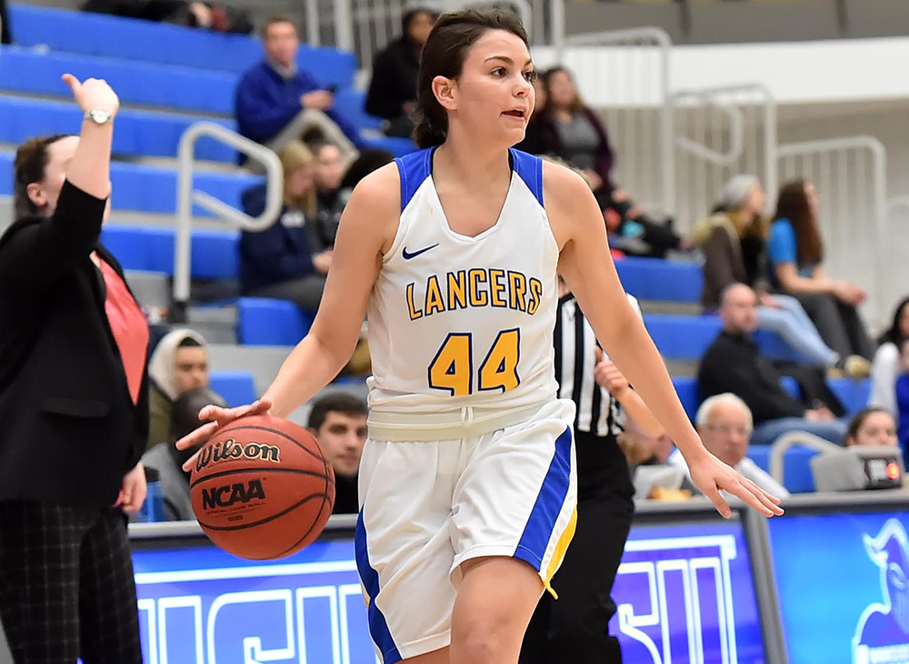 Women's Hoops Downs Framingham to Advance to MASCAC Title Game