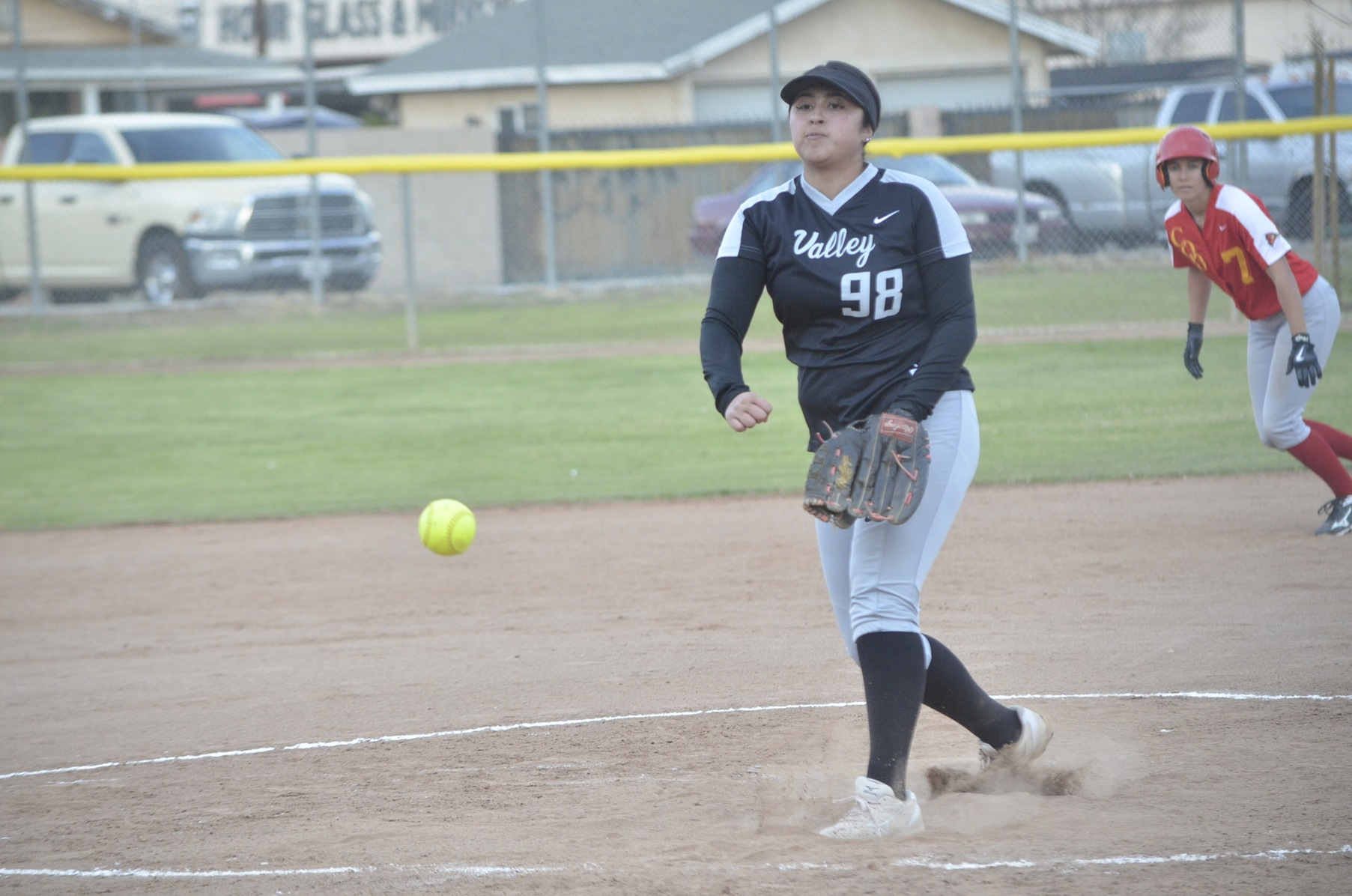 Big Inning Helps Wolverines Win in Conference Opener