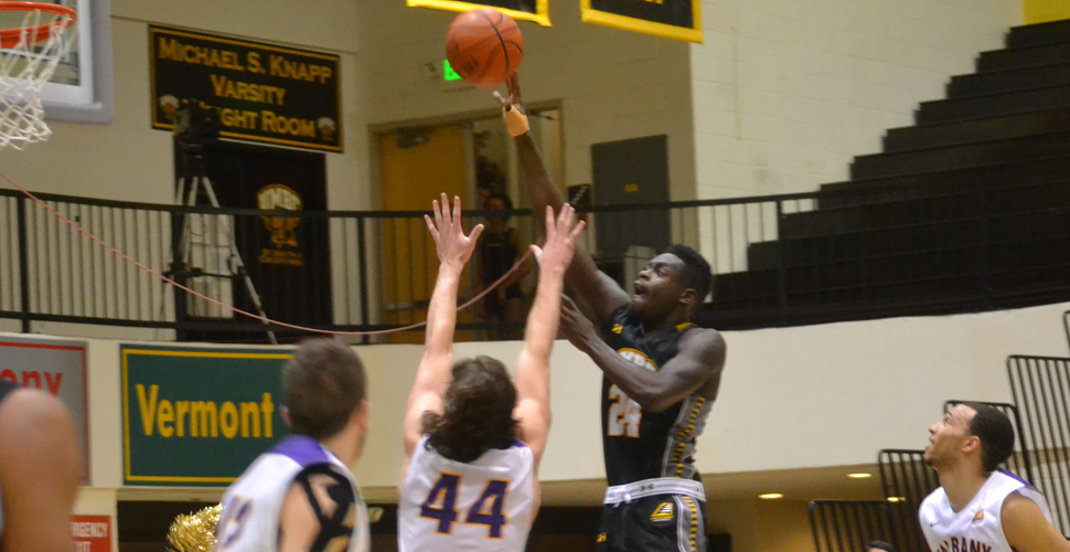 Jones' Late Tip-In Gives Men's Basketball 71-69 Win Over Albany