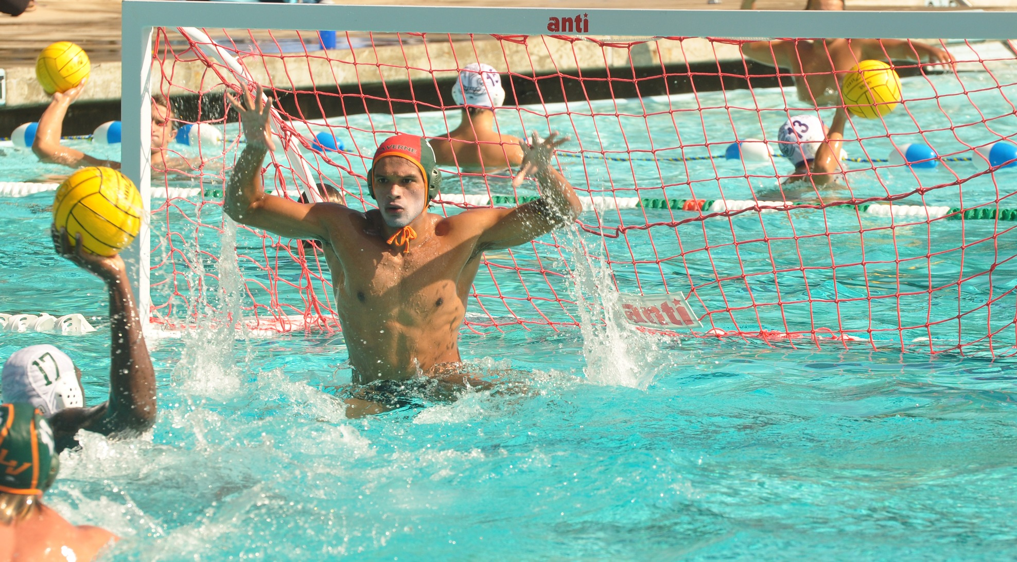 Water Polo edged late by No. 19 Sagehens