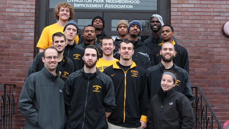 Men's Basketball Volunteers at Local Soup Kitchen