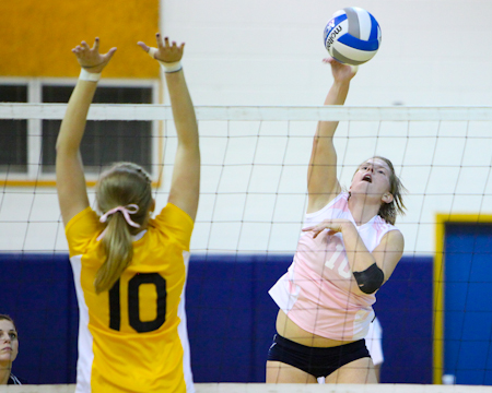 Gallaudet takes down Catholic on Dig Pink Night
