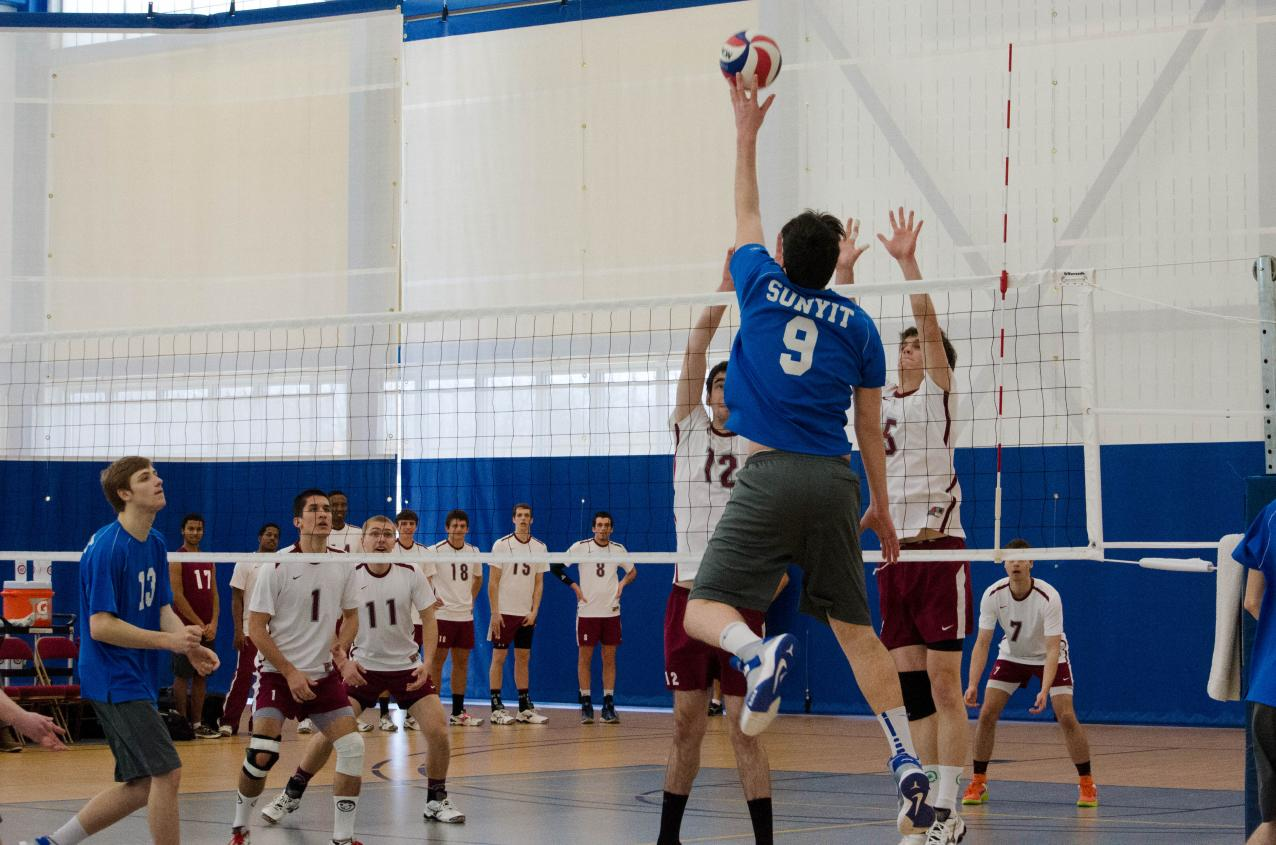 SUNYIT Men's Volleyball Defeated 3-1 at New Paltz.