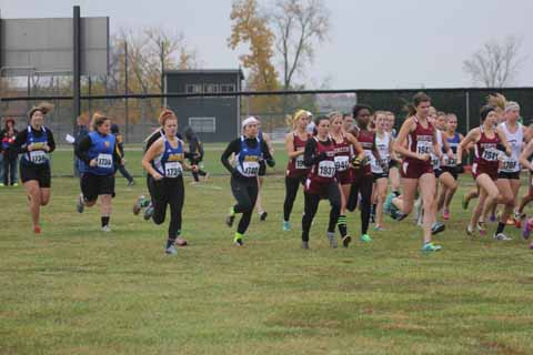 Women's cross country competes at the HCAC Championship