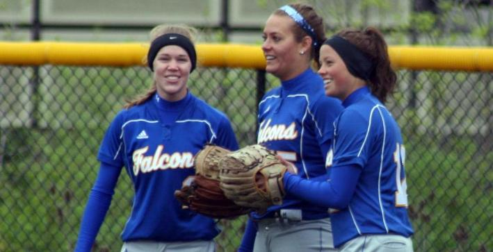 Softball concludes regular season with doubleheader sweep