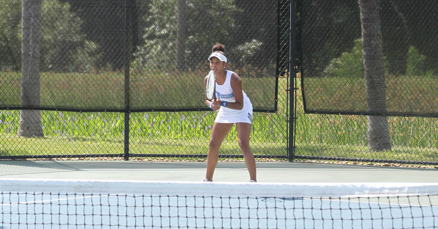 Four-Seed Lynn Eliminates Rollins in First Round of SSC Women's Tennis Tournament