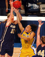 Late First-Half Run Propels No. 1 UCSB To Big West Tournament Title