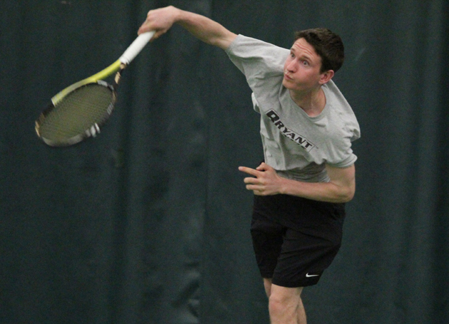 Men's tennis perfect over weekend