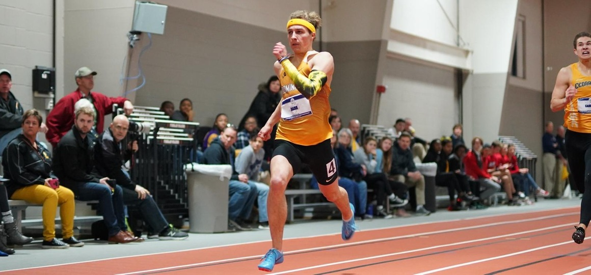 Morris Breaks School Record in Pole Vault as Track and Field Competes at Tiffleberg Open