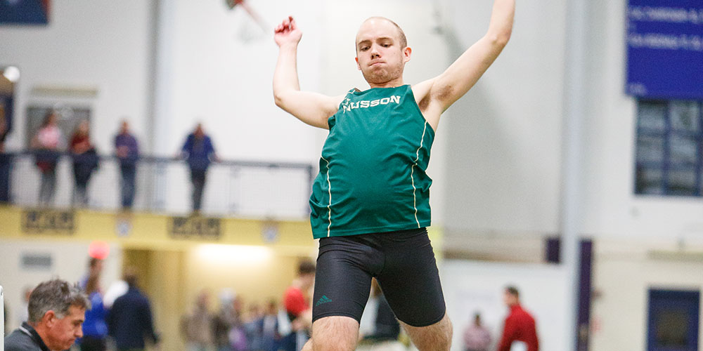 Men's Indoor Track & Field Competes at the UMaine Invitational