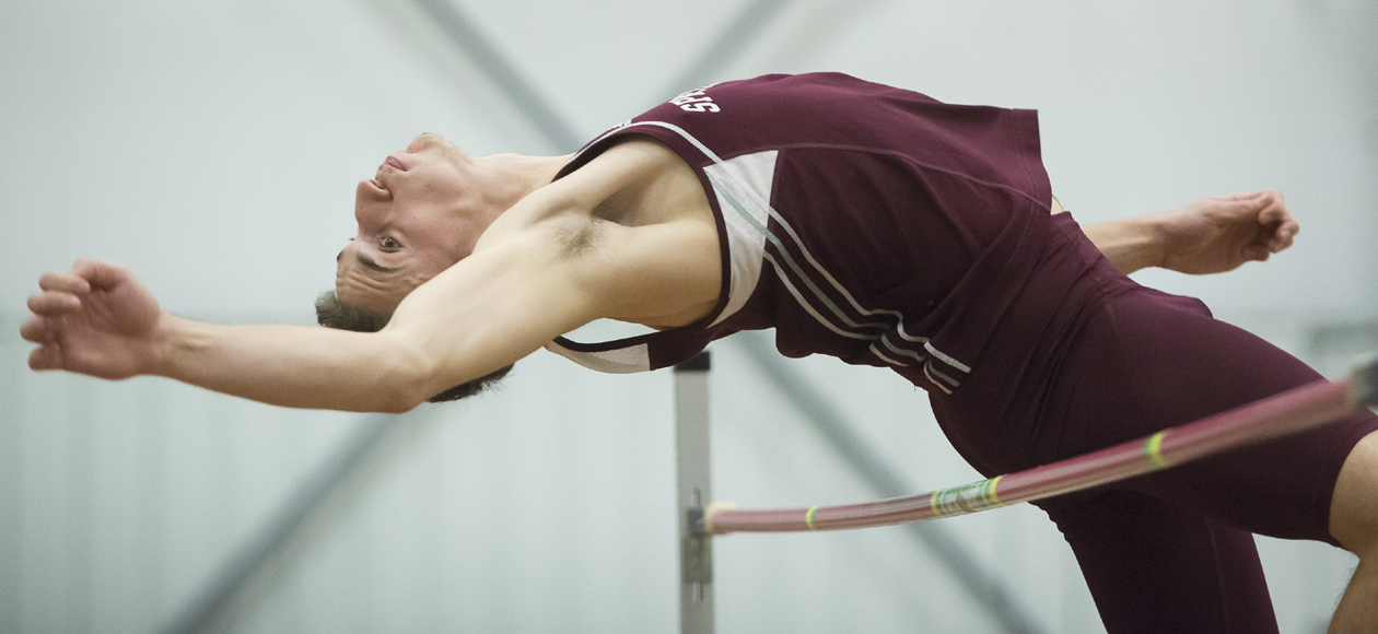 Men's Track and Field Competes at Dartmouth Classic