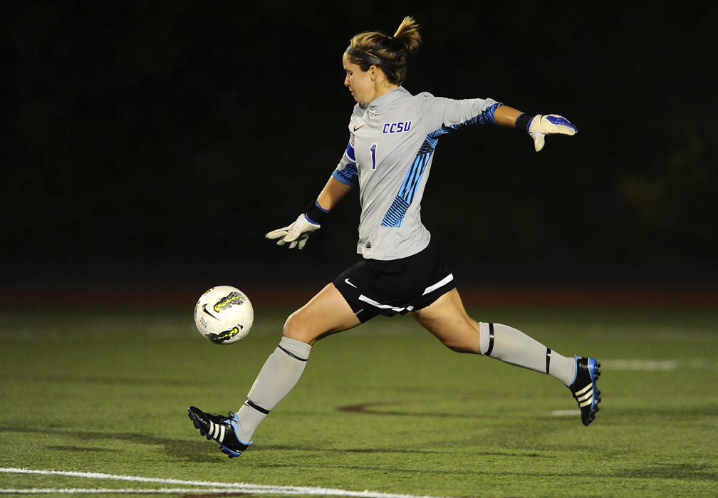 Women's Soccer Tops New Hampshire 4-0