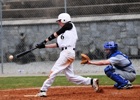 Petrels Drop First Game of Three-Game Set to Berry, 10-4
