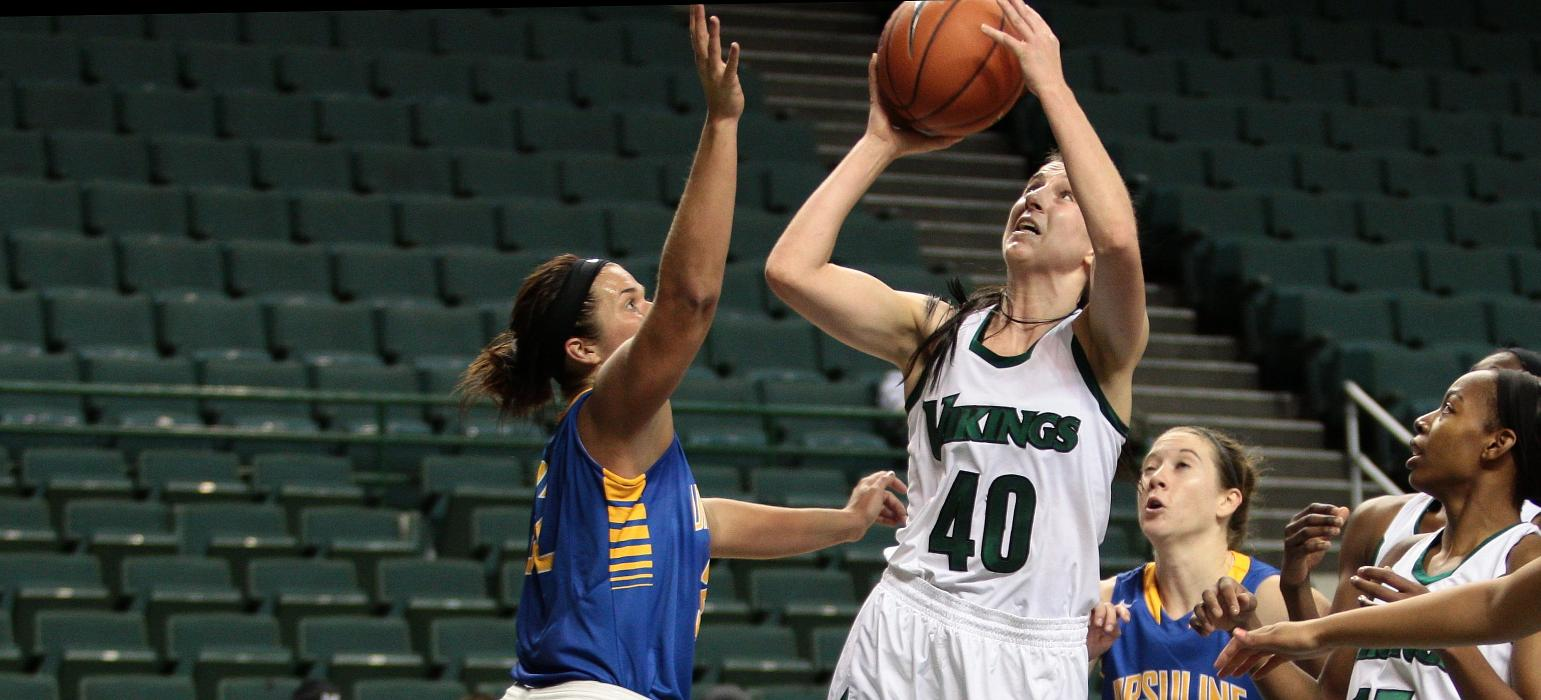 Schmitt Scores Career-High 20 Points As Vikings Take Down Ohio