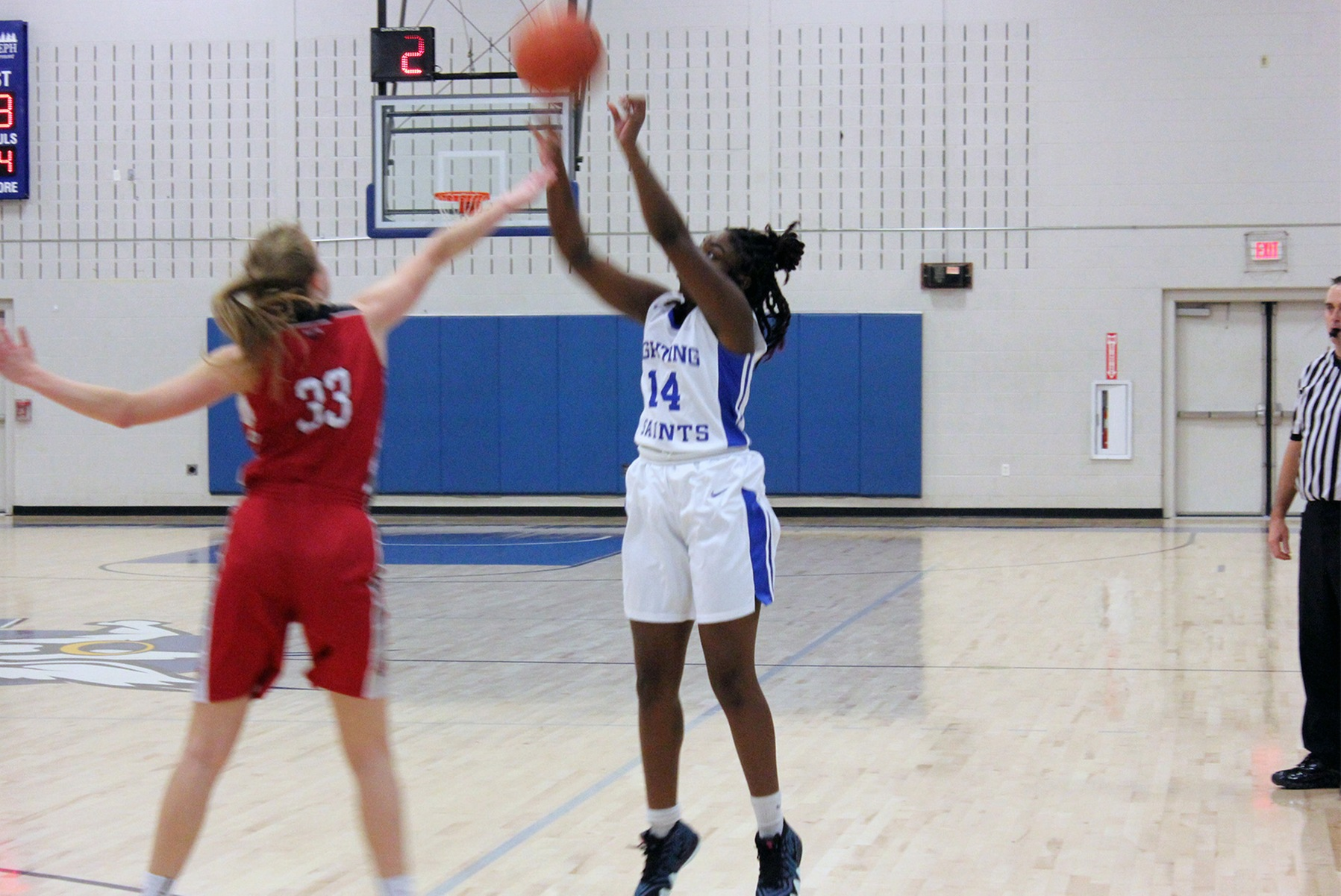 Women's basketball travels for Thomas College Tournament